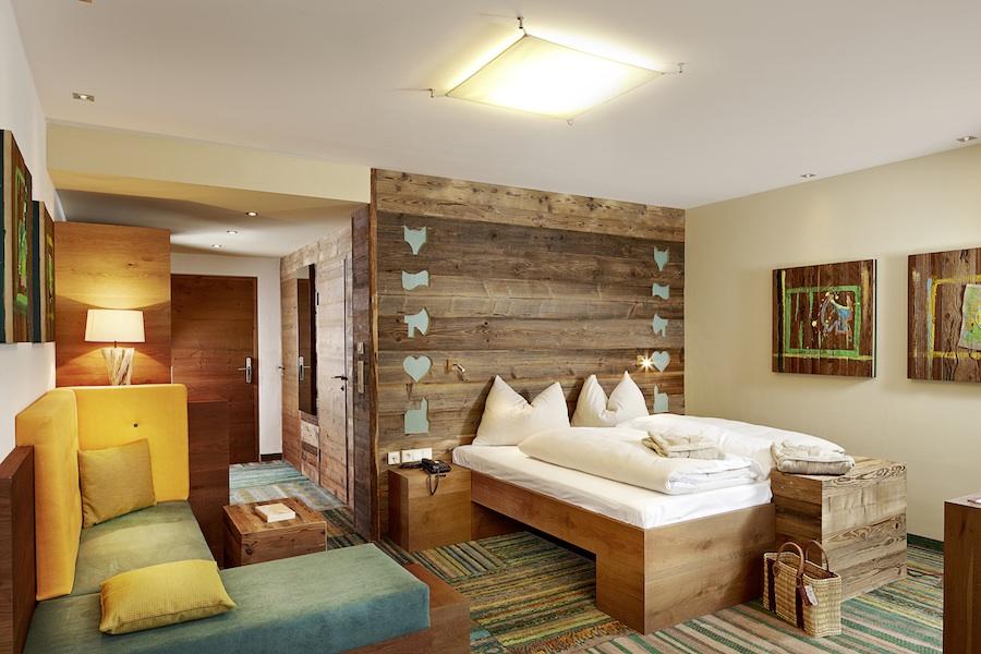 pleamle magazin eisklettern im hotel. Black Bedroom Furniture Sets. Home Design Ideas